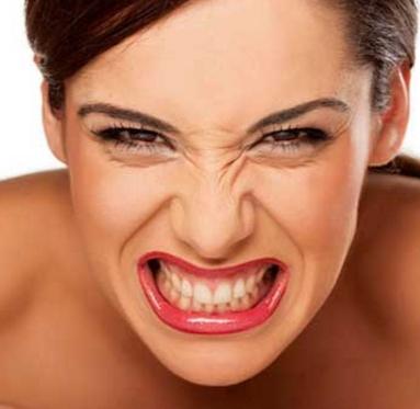 Почему у взрослых возникает бруксизм и стоит ли его немедленно лечить