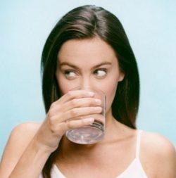 Регулярное полоскание рта антисептическими растворами